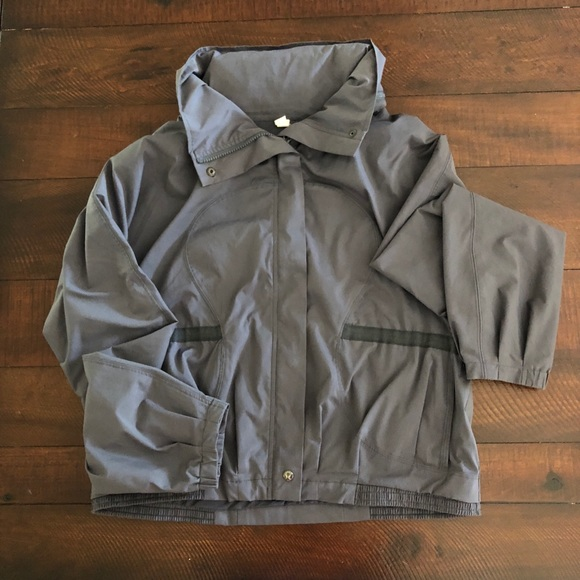 lululemon athletica Jackets & Blazers - Lululemon Windbreaker Size 10